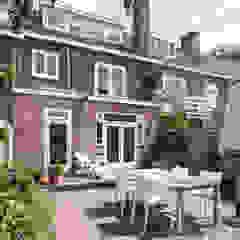 Verbouwing jaren 30-woning, Nijmegen Scandinavische balkons, veranda's en terrassen van Bob Romijnders Architectuur & Interieur Scandinavisch
