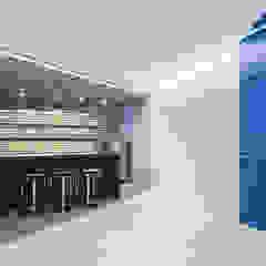 The Modern Square _용인 타운하우스 모던스타일 와인 저장고 by 지오아키텍처 모던