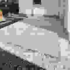 久保田正一建築研究所 Minimalist style garden Concrete White