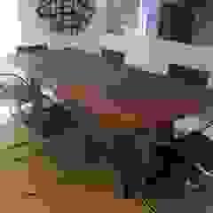 Proyecto El Rosal. Comedores de estilo moderno de THE muebles Moderno