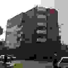 Diseño Integral y Construcción S.A.C. Modern hotels Aluminium/Zinc Red