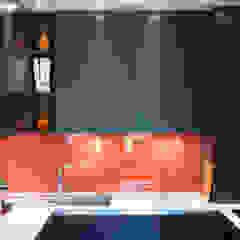 Minimalist kitchen by LA CUISINE DANS LE BAIN SK CONCEPT Minimalist