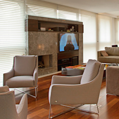 Studio Leonardo Muller Ruang Keluarga Modern Marmer Beige