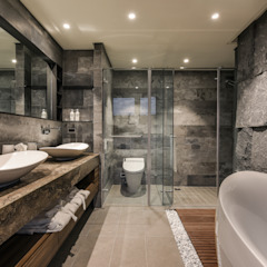 Asian style bathroom by CJ INTERIOR 長景國際設計 Asian