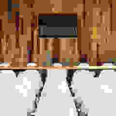 HOSPITAL VETERINÁRIO Locais de eventos rústicos por Arkstudio Rústico Madeira Acabamento em madeira
