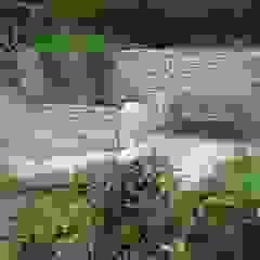 Jardins industriais por Steinbruchbetriebe Grandi GmbH Industrial Pedra