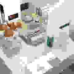 Camille BASSE, Architecte d'intérieur Modern Corridor, Hallway and Staircase