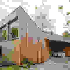 Poolhouse / Atelier Moderne zwembaden van [delacourt][vanbeek] Modern Hout Hout