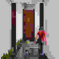 راهرو مدرن، راهرو و راه پله توسط Estudio Volante مدرن سنگ مرمر