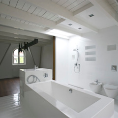 Modern bathroom by Architectenbureau Filip Mens Modern Plastic