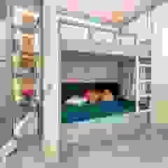 Dormitorios infantiles mediterráneos de Школа Ремонта Mediterráneo
