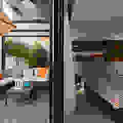Scandinavian style balcony, veranda & terrace by AIRS 艾兒斯國際室內裝修有限公司 Scandinavian