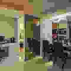 Comedores de estilo moderno de Green Leaf Interior青葉室內設計 Moderno
