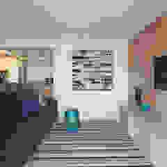 Apartamento FP Salas multimídia minimalistas por Haruf Arquitetura + Design Minimalista