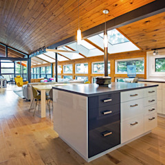 West Hawk Lake Interior Modern kitchen by Unit 7 Architecture Modern