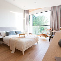 Quercus Alba Modern style bedroom by Sensearchitects Limited Modern Wood Wood effect
