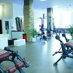 Classic style gym by AG Studio Classic