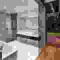 Paterson 3 Modern bathroom by AR43 Architects Pte Ltd Modern