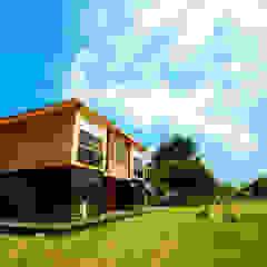Qfarm Rustic style houses by FAMWOOD 自然紅屋 Rustic