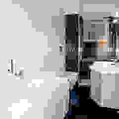 Minimalist bathroom by Luca Bucciantini Architettura d' interni Minimalist