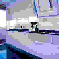 Minimalist kitchen by Luca Bucciantini Architettura d' interni Minimalist