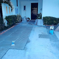 Comenzando a instalar piso de Mantenimiento y Construccion Yañez