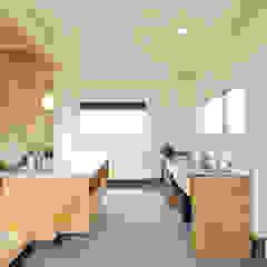 半規格型住宅ZEROBACO オリジナルデザインの キッチン の 株式会社 建築工房零 オリジナル 木 木目調