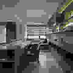 Phòng học/văn phòng phong cách hiện đại bởi 大荷室內裝修設計工程有限公司 Hiện đại
