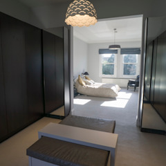 RYDENS ROAD Classic style bedroom by Concept Eight Architects Classic