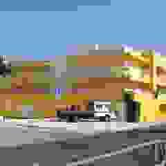 Edifício de habitação no Alto de Algés Clínicas clássicas por 2levels, Arquitetura e Engenharia, Lda Clássico