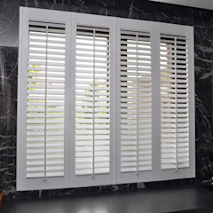 Shutters, drewniane okiennice wewnętrzne od Gama Styl Śródziemnomorski Drewno O efekcie drewna