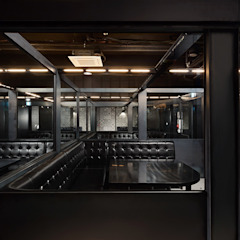 FULL-METAL bar 인더스트리얼 복도, 현관 & 계단 by 디자인사무실 인더스트리얼