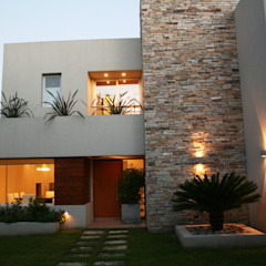 Casa en country C.U.B.A. - Fatima - Pcia de Buenos Aires Casas modernas: Ideas, imágenes y decoración de Rocha & Figueroa Bunge arquitectos Moderno