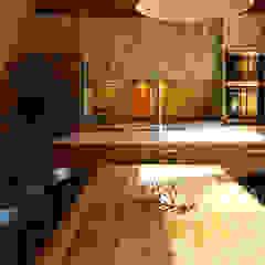 Endüstriyel Mutfak RIBA MASSANELL S.L. Endüstriyel Ahşap Ahşap rengi