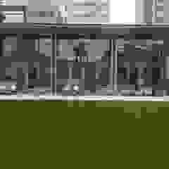 株式会社山崎屋木工製作所 Curationer事業部 Modern windows & doors Wood Green