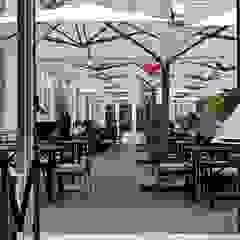 Solero P6 Qauttro horecaparasols Moderne gastronomie van Solero Parasols Modern Aluminium / Zink