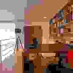 Camila Giongo Arquitetas Associadas - Decoração de Interiores ME Oficinas de estilo moderno Madera Beige