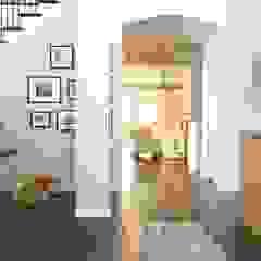 Couloir, entrée, escaliers ruraux par Brett Nicole Interiors Rural