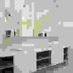 soo chow graden Modern bathroom by Renozone Interior design house Modern