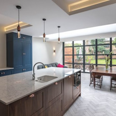 3 Fenwick Grove Diamond Constructions Ltd Modern style kitchen