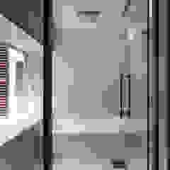 Modern bathroom by 豊田空間デザイン室 一級建築士事務所 Modern