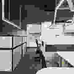 Complesso d'uffici moderni di 拾雅客空間設計 Moderno