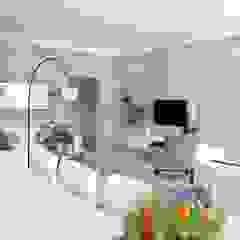 Val de Vie - Barrel Cresent Modern dining room by Salomé Knijnenburg Interiors Modern