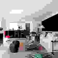 TIEMBLO HOUSE Salas modernas de james&mau Moderno