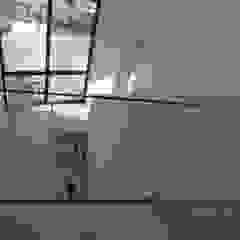 Architectenbureau Jules Zwijsen Modern Corridor, Hallway and Staircase