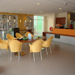 Dierenziekenhuis Moderne ziekenhuizen van Brenda van der Laan interieurarchitect BNI Modern Rubber