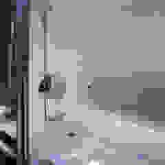 豊田空間デザイン室 一級建築士事務所 Scandinavian style bathroom