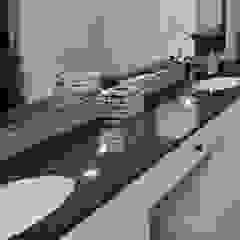 Baños modernos de Elalux Tile Moderno Mármol