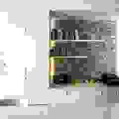 Ruang Keluarga Gaya Mediteran Oleh versea arquitectura Mediteran Batu Bata