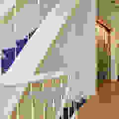 Restauratie Stadswoning Den Haag Klassieke gangen, hallen & trappenhuizen van Tektor interieur & architectuur Klassiek